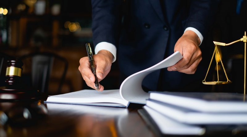 When to contact an expert eviction lawyer